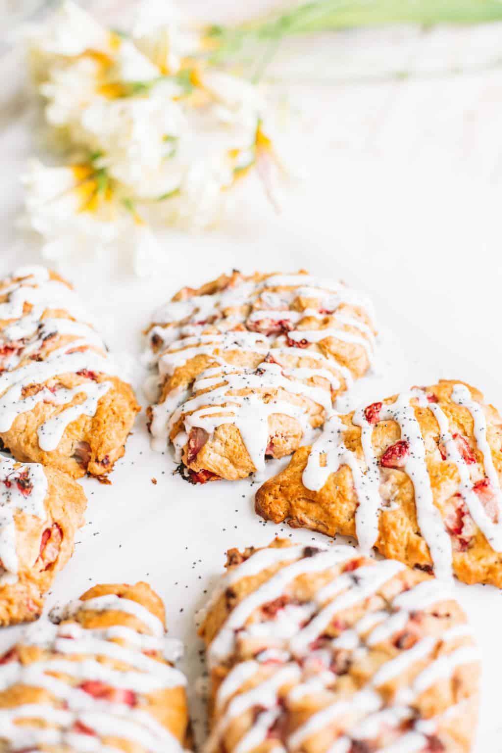 strawberry lemon scones with poppy seed glaze