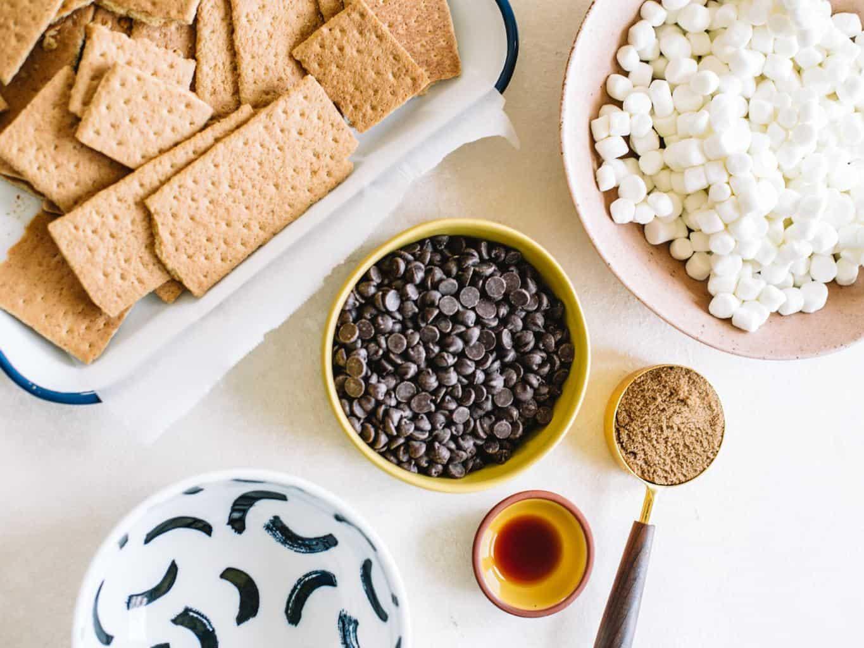 Graham crackers, marshmallows chocolate chips, brown sugar and vanilla extract.